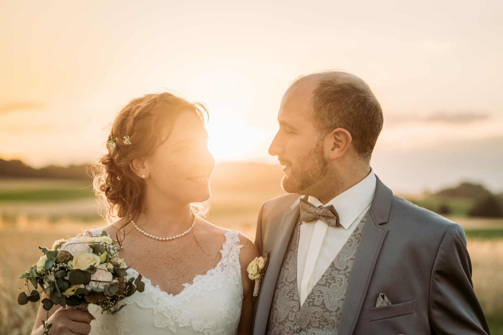 Hochzeitspaar Sonnenuntergang