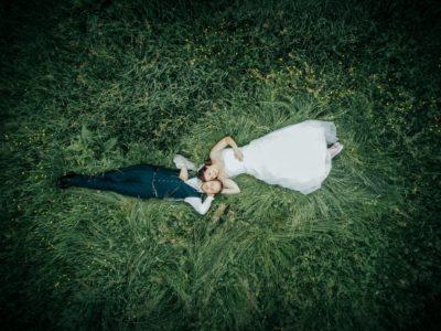Drohnenfoto Brautpaar Hochzeitspaar